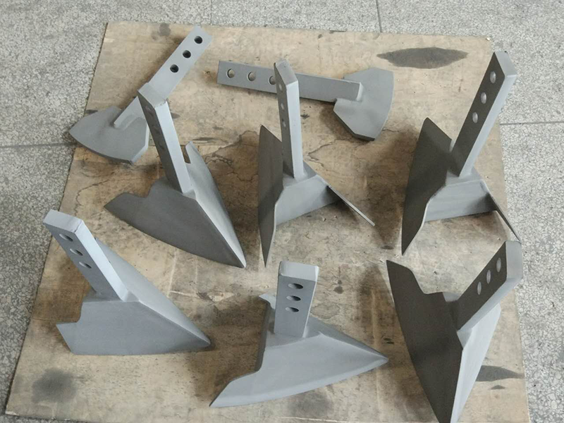 犁刀搅拌轴喷涂碳化钨耐磨处理,防止金属杂质进入物料中